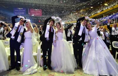 یونیورسٹی کی 108 ویں سالگرہ کی خوشی میں 108 جوڑوں کی شادی کے لباس میں شرکت