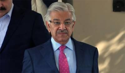 وزیر خارجہ خواجہ آصف کی سشما سوراج سے غیر رسمی ملاقات