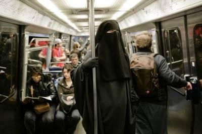 خواتین برقع پہنیں جرمانے میں ادا کروں گا،فرانسیسی تاجر کا اعلان