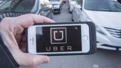 """لندن میں """"اوبر"""" ٹیکسی سروس کا اجازت نامہ منسوخ کر دیا گیا"""