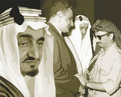 سعودی عرب میں شاہ فیصل مرحوم کی خلائی مخلوق کے ساتھ تصویر پر ہنگامہ مچ گیا