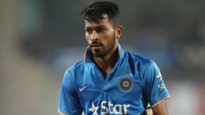 بھارتی کھلاڑی کے چھکے سے تماشائی شدید زخمی