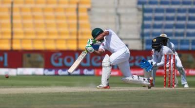 ابو ظہبی ٹیسٹ : پاکستانی ٹیم پہلی اننگز میں 422رنز پر آوٹ