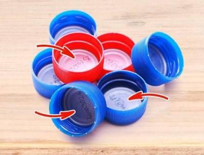 پلاسٹک کے ڈھکن کے اندر نرم شے کیوں رکھی جاتی ہے