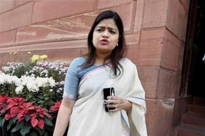 ہر بھارتی عورت جنسی حملے کا نشانہ بنتی ہے، پونم مہاجن
