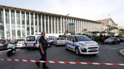 فرانس میں چاقو سے مسلح شخص کے حملے میں دو ہلاک، حملہ آور کو گولی مار دی گئی