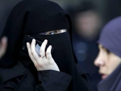 سعودی عرب، جامعات میں طالبات کو موبائل فون استعمال کی اجازت دیدی گئی
