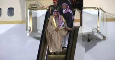 سعودی فرما روا شاہ سلمان کو ماسکو میں سڑھیوں پر پریشانی کا سامنا