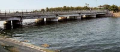 دریائے چناب کا پانی انتہائی کم سطح پر چلا گیا