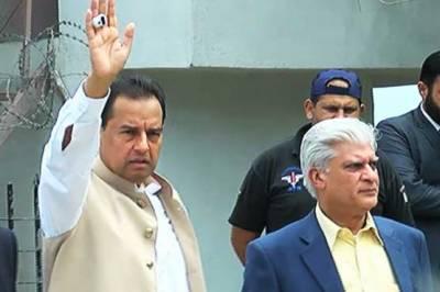 کیپٹن (ر) محمد صفدر کی ضمانت منظور، بیرون ملک جانے پر مشروط پابندی عائد