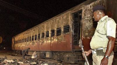 بھارت گودھرا ٹرین آتشزدگی کیس، 11 ملزمان کی سزائے موت کو عمر قید میں تبدیل