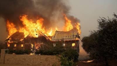 امریکی ریاست کیلیفورنیا میں خطرناک آگ نے تباہی مچا دی
