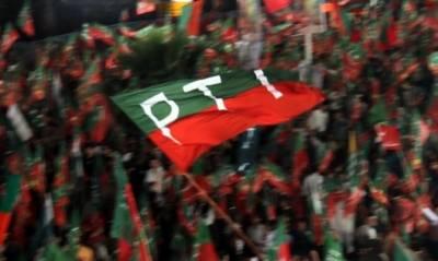 فیصل آباد میں پی ٹی آئی ٹوٹ پھوٹ کا شکار