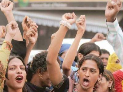 مختلف درآمدی اشیاء کی قیمتوں میں اضافے پر خواجہ سراؤں کا شدید ردعمل