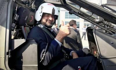 وزیر اعظم شاہد خاقان عباسی کی ترک لڑاکا ہیلی کاپٹر میں آزمائشی پرواز