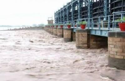دریائے چناب کا پانی انتہائی کم سطح پر پہنچ گیا