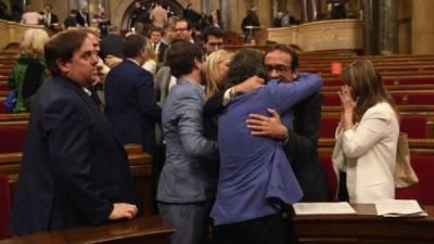 سپین کی مرکزی حکومت نے کاتالونیہ کی پارلیمنٹ کو تحلیل کر دیا