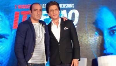 اکشے کھنہ کئی کرداروں کیلئے مجھ سے بہترین اداکار ہیں، شاہ رخ خان