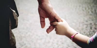 سفاک باپ نے تیز دھار آلے سے وار کر کے کمسن بیٹی کو قتل کردیا