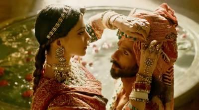 """فنکاروں پر حملوں کا خطرہ، فلم """"پدماوتی"""" کی تشہیر روک دی گئی"""