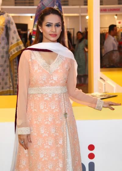 شارٹ کٹ سے شہرت کمانا بیوقوفی سمجھتی ہوں،بینا حسن