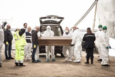 اٹلی کے سمندر میں 26 لڑکیوں کی لاشیں برآمد
