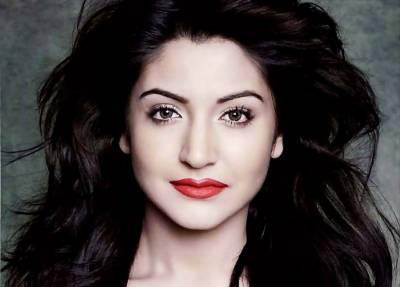 انوشکا شرما نے بالی ووڈ فنکاروں کو دوست ماننے سے انکار کر دیا