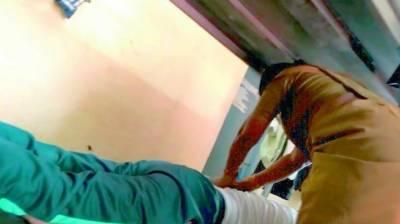 انسپکٹر کا خاتون پولیس آفیسر سےمساج،تصاویر وائرل