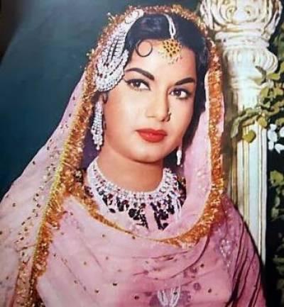 ماضی کی معروف اداکارہ