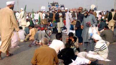 عدالتی حکم کے باوجود مذہبی جماعتوں کا اسلام آباد میں دھرنا جاری