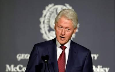 بل کلنٹن پھر جنسی اسکینڈل میں پھنس گئے، حسیناؤں نے رقم کا تقاضا کر ڈالا