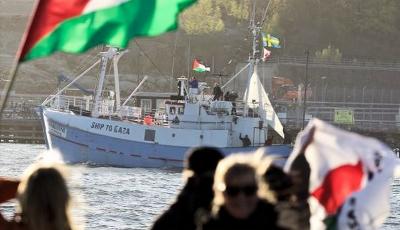 اسرائیلی فوج کا کارنامہ، مجبور فلسطینوں کا تجارتی سامان لوٹ لیا