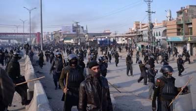 اسلام آباد دھرنے کے خاتمے کیلئےحکومت نے فوج سے مدد لینے کا فیصلہ کر لیا