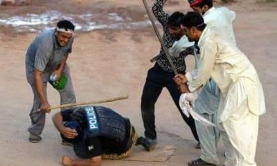 فیض آبادآپریشن پھر شروع ٗ مظاہرین کا ٹولیوں میں بٹ کر مقابلہ جاری