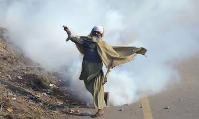 اسلام آباد میں ہونے والے ہنگامے کی تصویری جھلکیاں