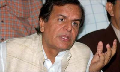 عمران خان چور دروازے سے اقتدار میں آنے کیلئے کوشاں ہیں : جاوید ہاشمی