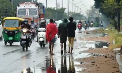 بھارت اور سری لنکا میں طوفان درجنوں جانیں لے گیا