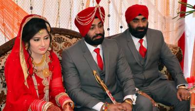 پاک فوج کے پہلے سکھ افسر میجر ہرچرن سنگھ شادی کے بندھن میں بندھ گئے