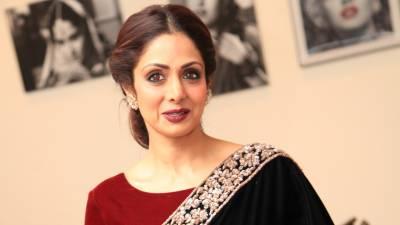 اداکارہ سری دیوی لباس کی وجہ سے تنقید کا شکار