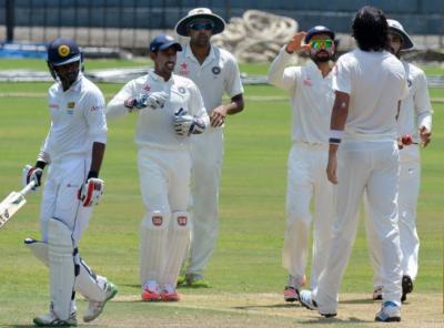 دہلی ٹیسٹ: سری لنکا کو جیتنے کیلئے 7 وکٹوں پر 379 رنز درکار