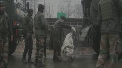 مقبوضہ کشمیر میں بھارتی فوج کی فائرنگ سے خاتون سمیت 4 شہری شہید