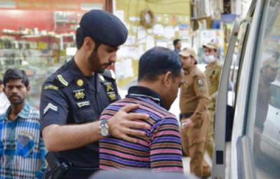 سعودی پولیس نے صرف ایک ماہ میں دو لاکھ کے قریب غیر قانونی تارکین گرفتار کر لیے