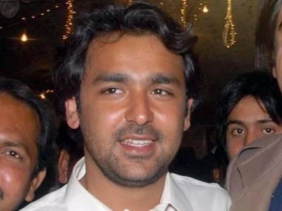 عمران خان کے قافلے پر فائرنگ،علی موسی گیلانی سمیت دیگر افراد کے خلاف تھانے میں درخواست