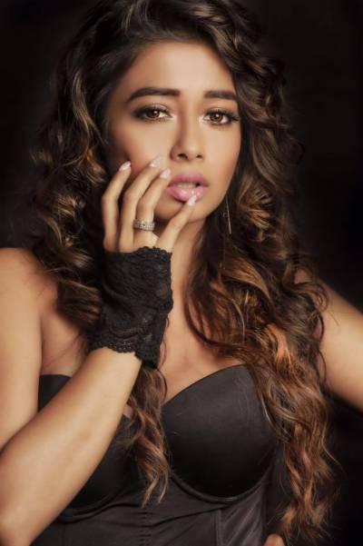 معروف بھارتی اداکارہ ٹینا کا فوٹو شوٹ وائرل
