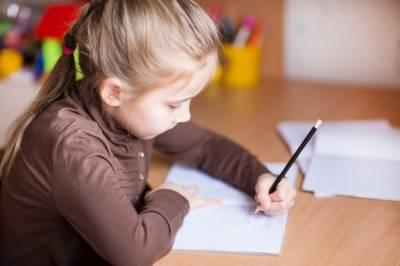 بچہ 'رائٹ' یا 'لیفٹ' ہینڈڈ ہو گا یہ کب پتہ چلتا ہے، نئی تحقیق سامنے آ گئی
