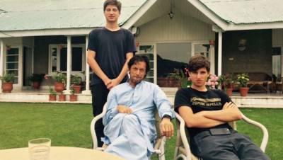 عمران خان کے دونوں بیٹے واپس لندن چلے گئے