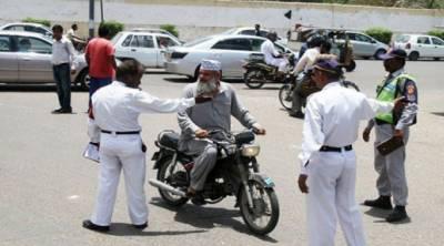 کراچی ٹریفک پولیس کا انوکھا کارنامہ سامنے آگیا