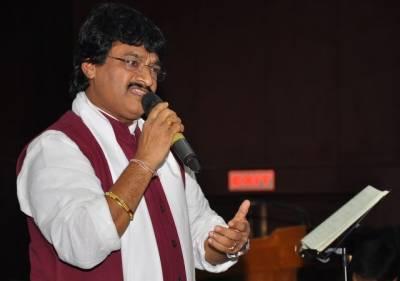 معروف بھارتی گلو کار اور غزل گو سری نواس گرفتار