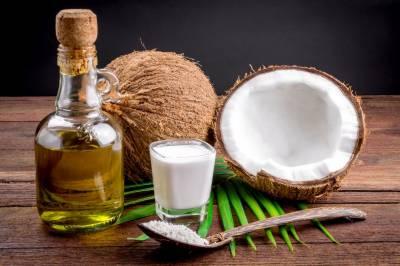 بالوں کی وجہ سے پریشان افراد ناریل کا تیل استعمال کریں