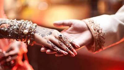 بالی وڈ میں مشہور جوڑوں کی شادیوں کی قیاس آرائیوں کا موسم چل پڑا